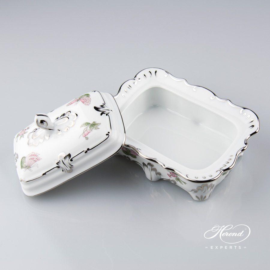 万宝盒 – 维多利亚女王白金款 – 赫伦细瓷